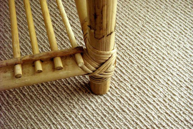 Menghilangkan Bekas Perabot pada Karpet