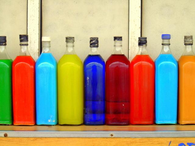 Cara Mudah Membersihkan Botol Kaca (2)
