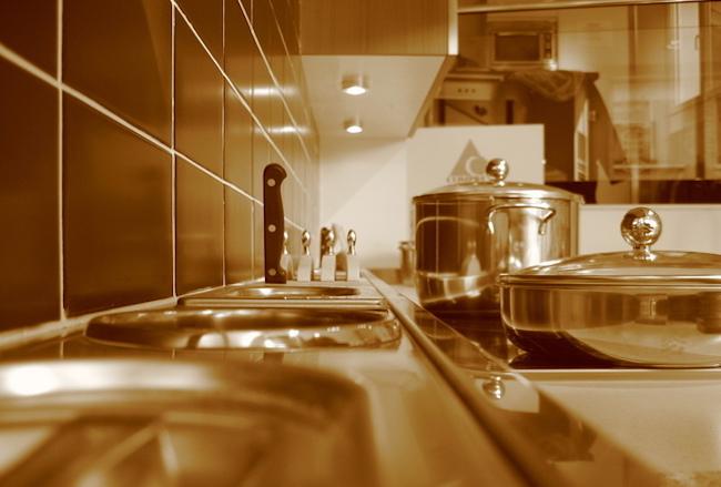 Cara Mudah Menghemat Listrik di Dapur