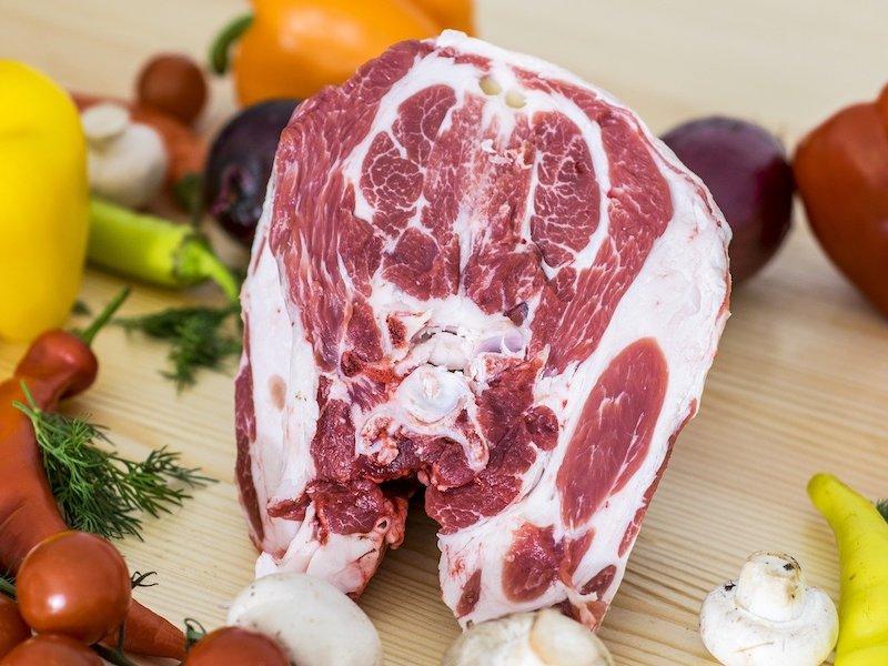 12 Cara Menghilangkan Bau Daging Kambing