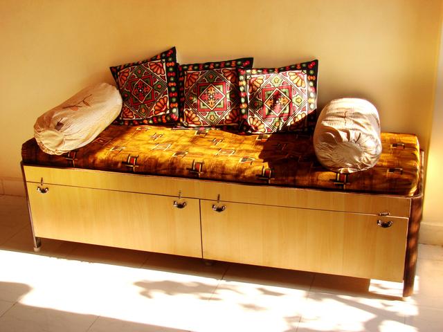 4 Kiat Memilih Warna Cat Rumah