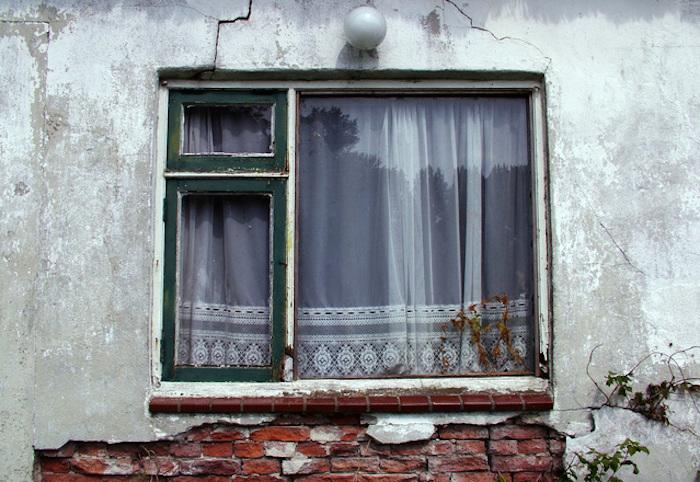 Cara Bersihkan Kaca Jendela