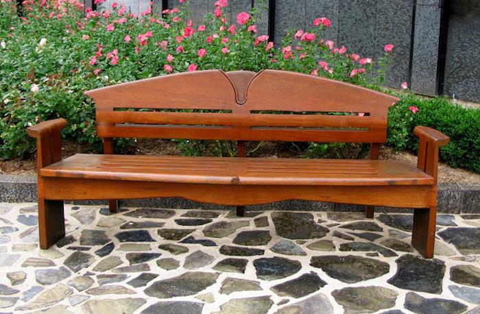 Memperbaiki Perabot Kayu yang Penyok