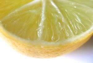 jeruk lemon dibelah