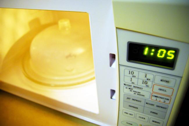Tips Aman menggunakan Microwave