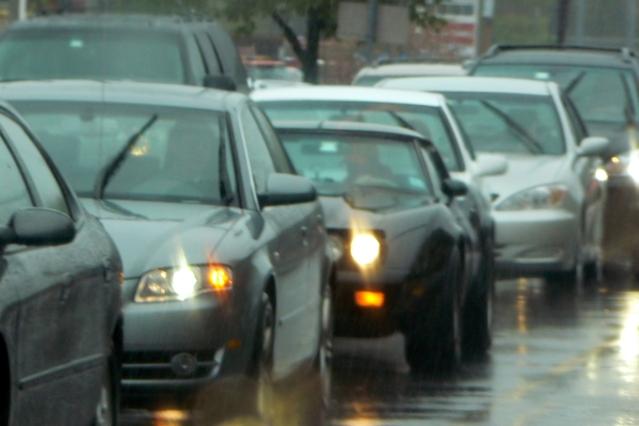Tips Membeli Mobil Sesuai Kebutuhan