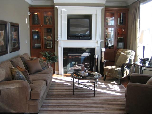 6 Kiat Merapikan Ruang Keluarga