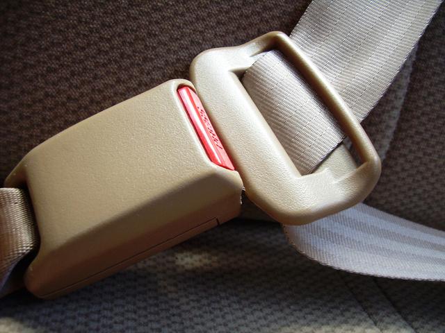 Pentingnya Mengenakan Safety Belt Saat Berkendara
