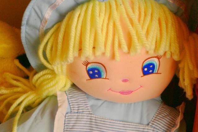 Ilustrasi Boneka   Img:freeimages.com