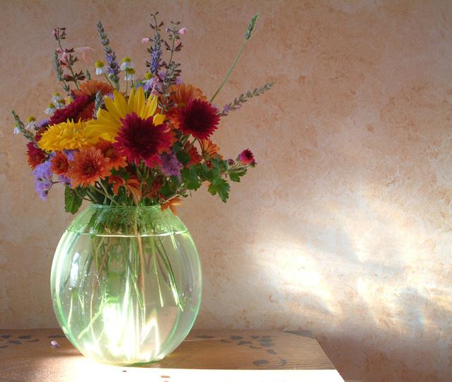 Ilustrasi Bunga di Vas | Img:freeimages.com